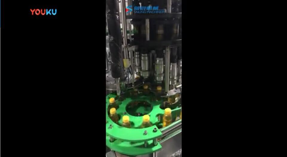 張家港市領冠機械:高產量飲料灌裝機