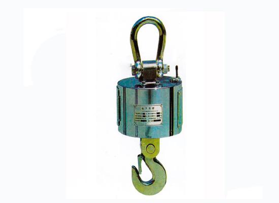 电压测量法 电子秤通过对电路元件,芯片各个管角的工作电压的测量与正